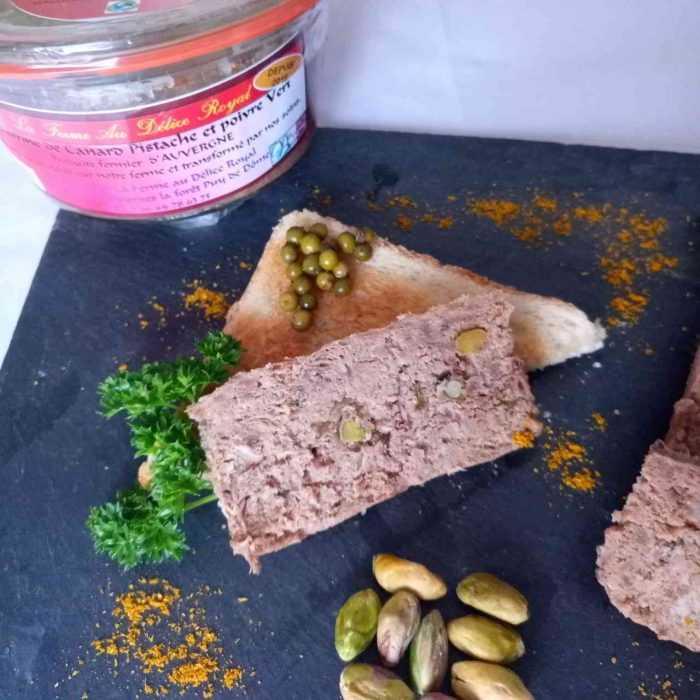 Dégustation Terrine de canard à la pistache et poivre vert de la Ferme au Délice Royal